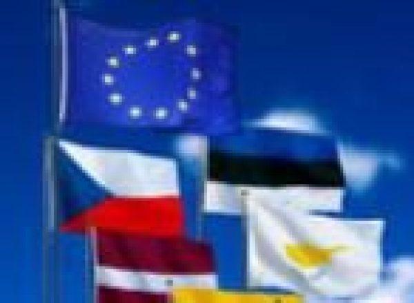 27 EU flags